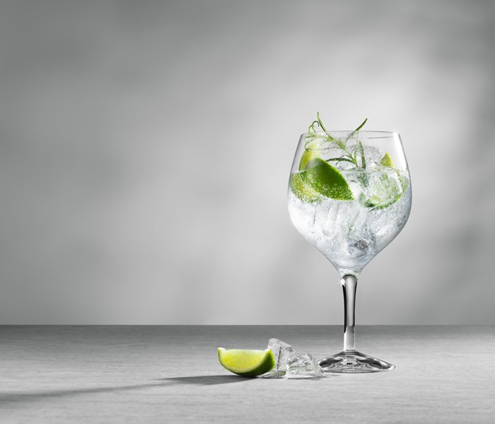 Gin i glass med lime
