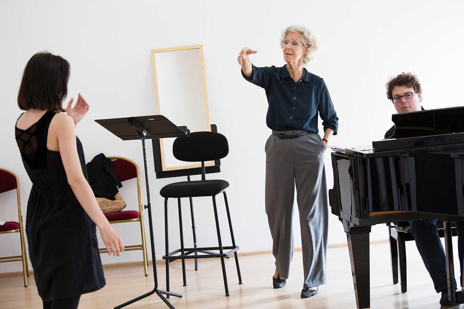Sangeleksjoner av Susanna Eken