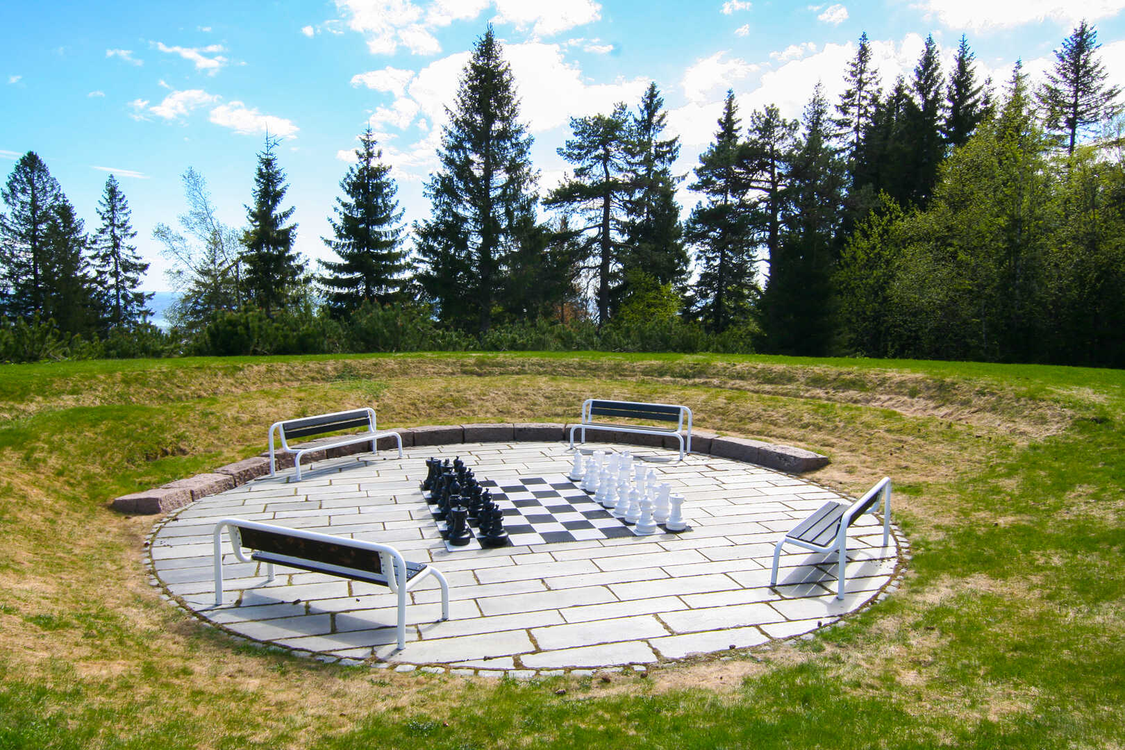 Utendørs sjakk ved Voksenåsen